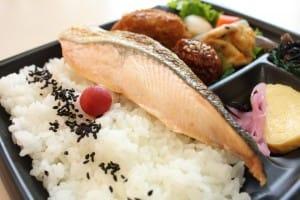 美肌鮭レシピ弁当